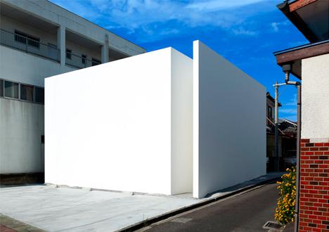 plain facade